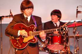 The Beatles Show - Magical History Tour - Foto 10 ·